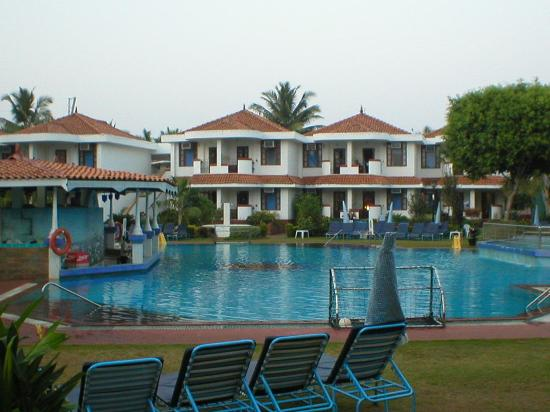 Heritage Village Club Goa: Daytime from our room