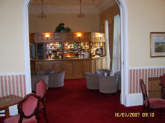 The Headland Hotel : bar area
