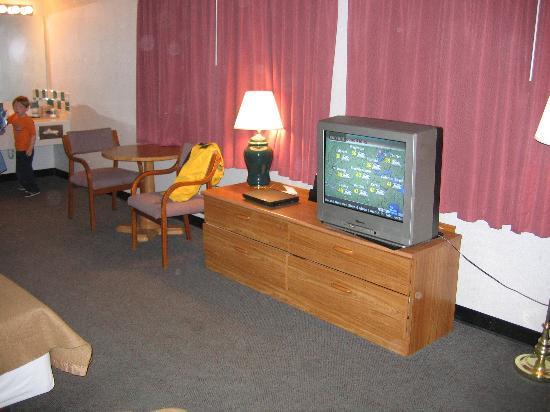 Super Value Inn: Second room