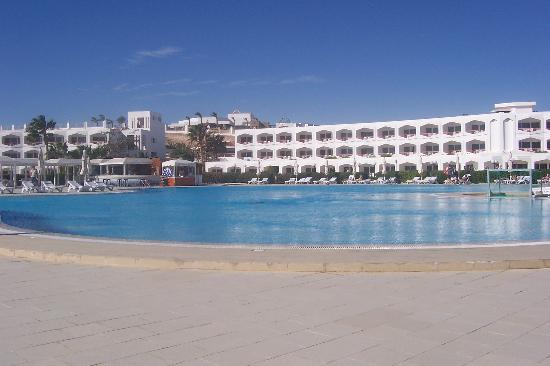 Baron Resort Sharm El Sheikh: the perfect pool