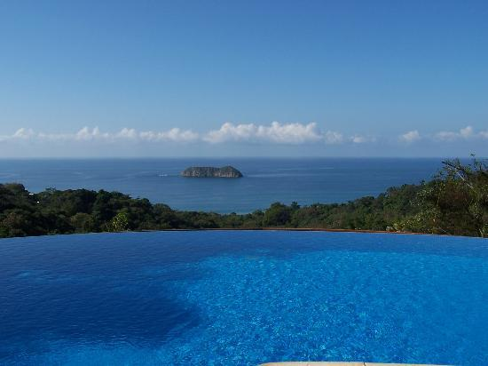 Hotel Villa Roca: View from the pool.