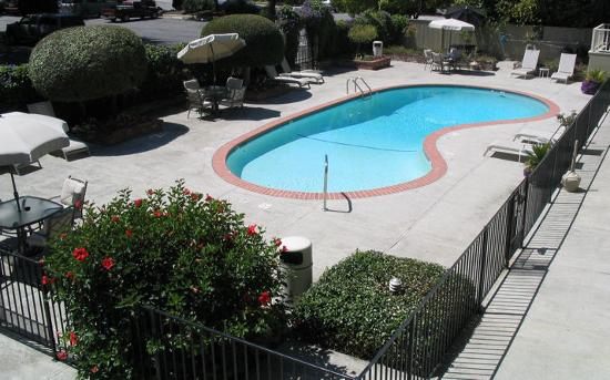 Country Inn Pool
