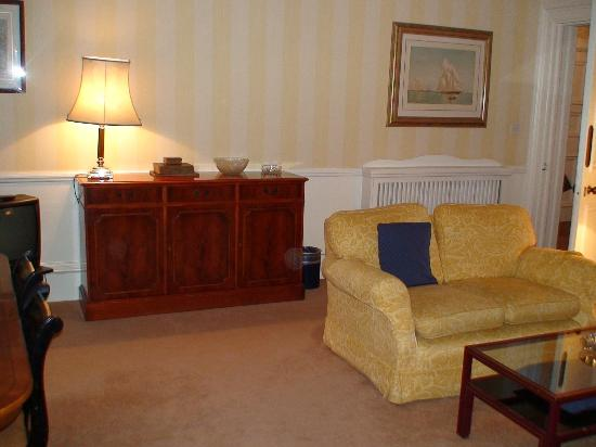 No 1. The Mansions by Mansley: Lounge room 2b