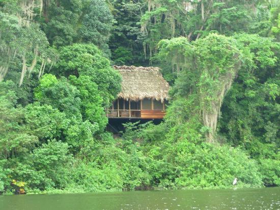 Sayaxche, Guatemala: Vista esterna della palapa