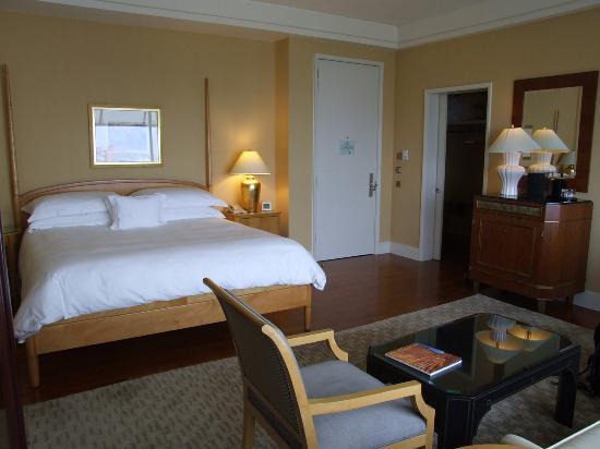 The Ritz-Carlton, Millenia Singapore: Deluxe Kallang View Room