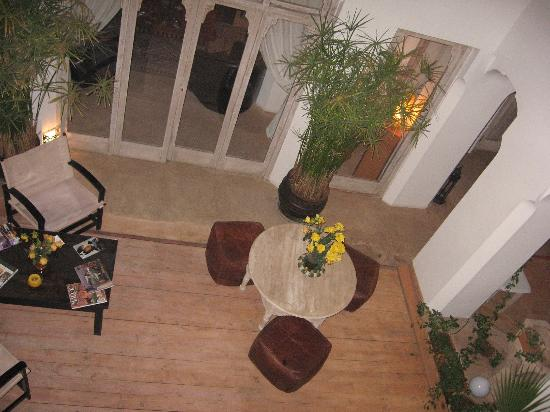 Riad Safa: Looking down into the courtyard