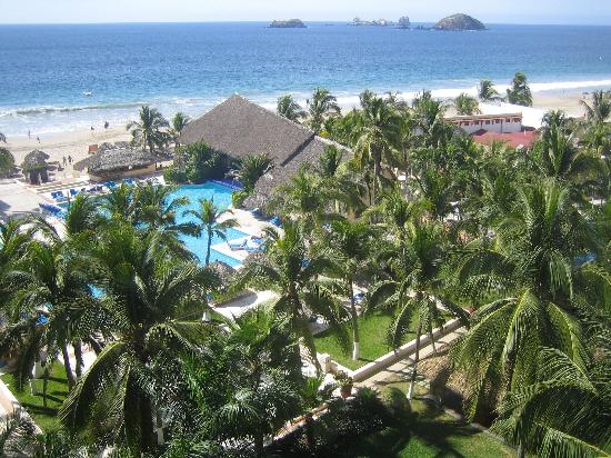 Park Royal Ixtapa: ocean front view