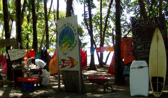 Tortilla Flats: Vendors on the beach