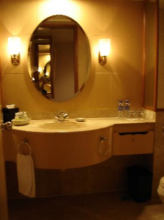 Interior - Picture of New World Makati Hotel, Luzon - Tripadvisor