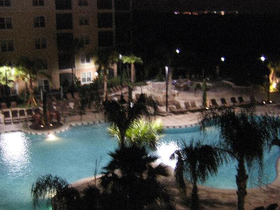 WorldQuest Orlando Resort: the pool at night