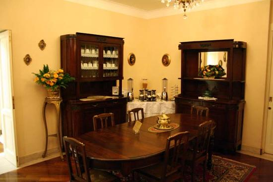 A San Pietro da Susy Guest House: Breakfast room/lounge (1)