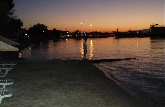Socrates Plaza Hotel: Sunset in Skala Prinos