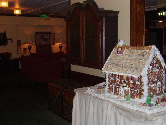 Bardola Hotel: Ginger snap house.