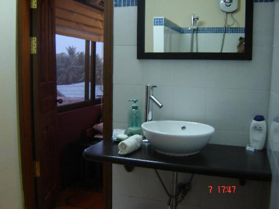 The Villa Siem Reap: The Bathroom with lots of nice little touches like hand soap and DOVE shampoo