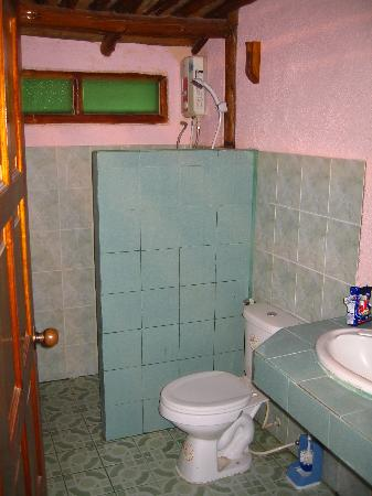 Chaweng Chalet Resort: bathroom