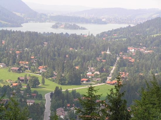 Schliersee, Alemania: Veiw from nearby hill