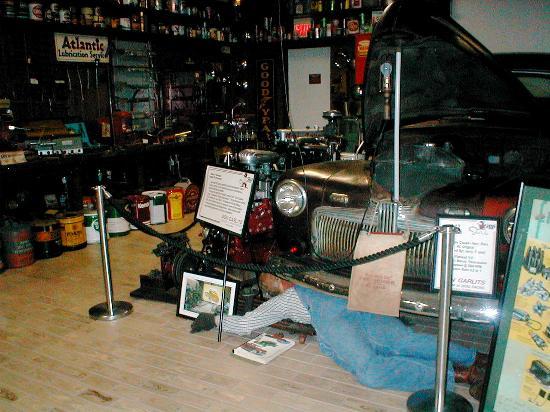 Ocala, Flórida: Garage vignette/Antique Auto Museum