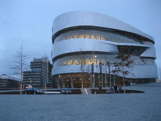 Mercedes-Benz Museum: The outside of museum