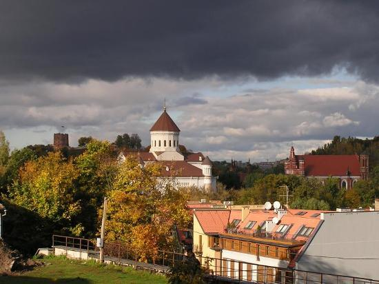 Litauen: Lithuania skies, fueled by Baltic winds and weather, offer great spectacles.