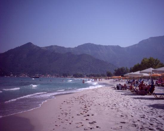 Ioannis Hotel: The beautiful beach, 5 min walk away