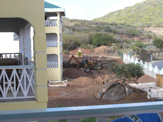 Virgin Gorda Village : Construction continues every day of the week.