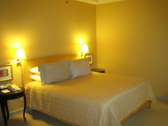 Conrad Centennial Singapore : The bed...wonderful