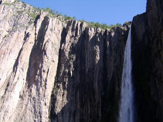 Cabanas Noritari: Basaseachi falls (a four-hour drive)