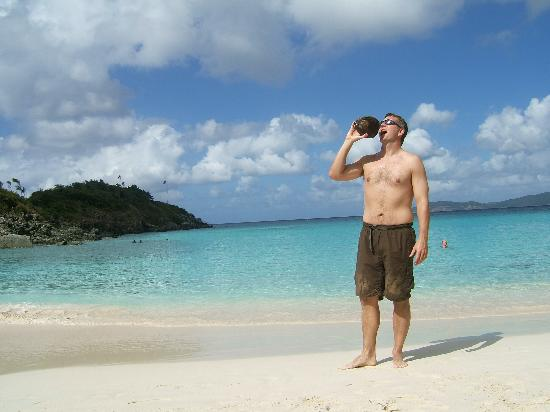 Trunk Bay : Me with coconut