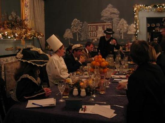 1851 Historic Maple Hill Manor Bed & Breakfast : Murder Mystery Dinner