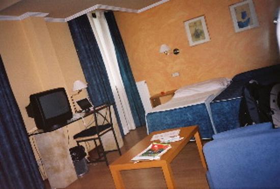 Hotel Rua: Room 32 Bedroom