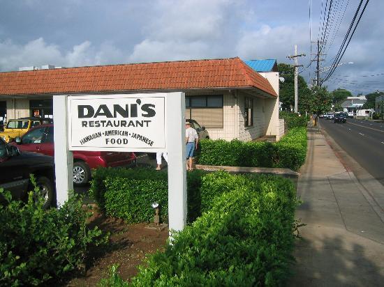 Dani's Restaurant: Dani's on Rice St next to fire station