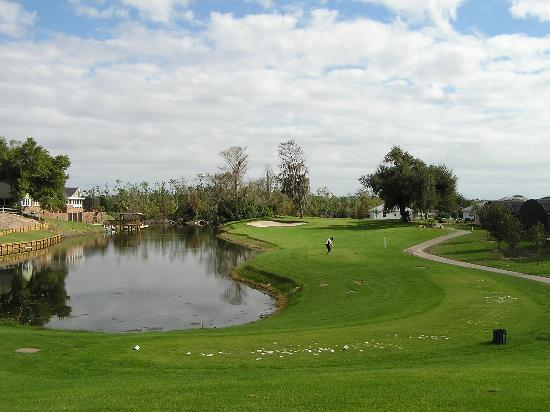 Alhambra at Poinciana: sun air golf course