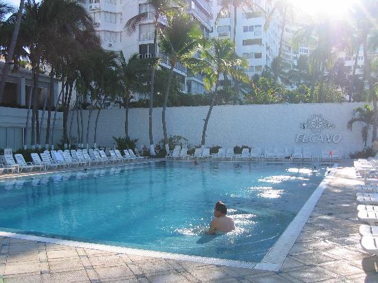 Elcano Hotel: POOL