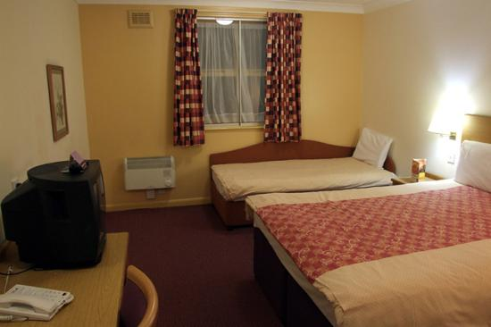 Premier Inn Manchester Airport (Heald Green) Hotel: Hotel room