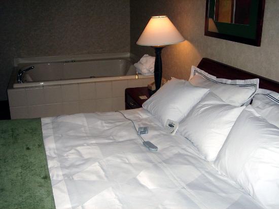 Rodeway Inn: Adjustable Comfort Bed