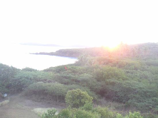 Zoni Beach House : sunrise from balcony
