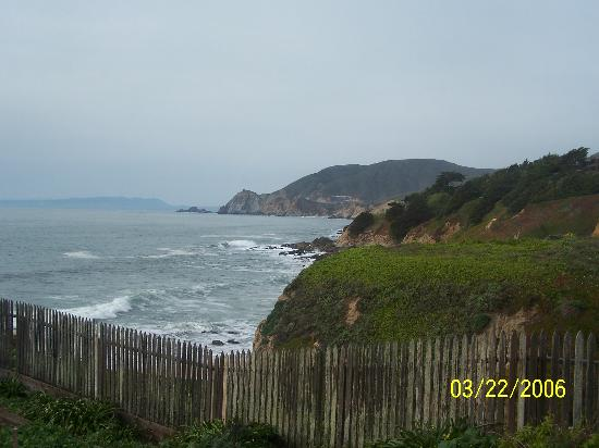 HI-Point Montara Lighthouse: View of the Pacific