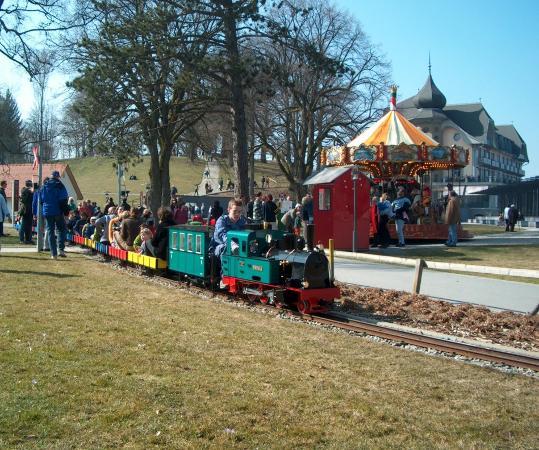 Gurten - Park im Grünen: Die Kleinbahn, elektrisch und dampfbetrieben, hat den Kindern besonders gefallen.