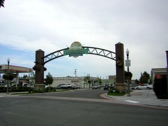 Majestic Inn and Spa: Welcome Arch