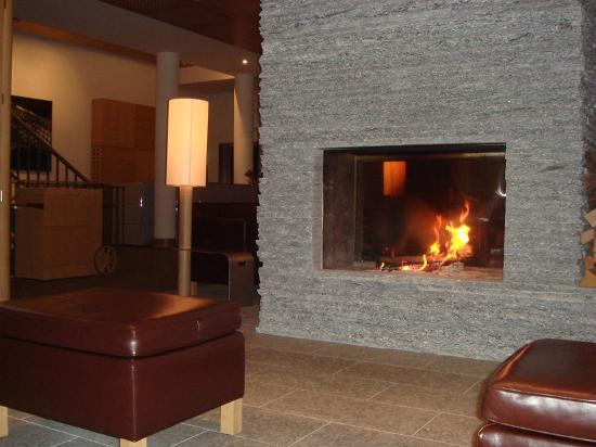 The Omnia: real fire in lounge area