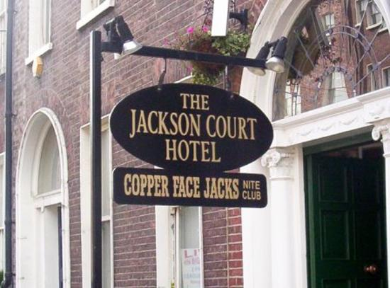 Jackson Court Hotel: Close up to hotel sign.