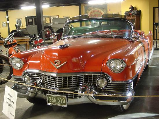 Maggie Valley, NC: One of several vintage cars on display