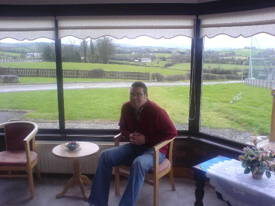 Hillview Lodge: The view from the conservatory