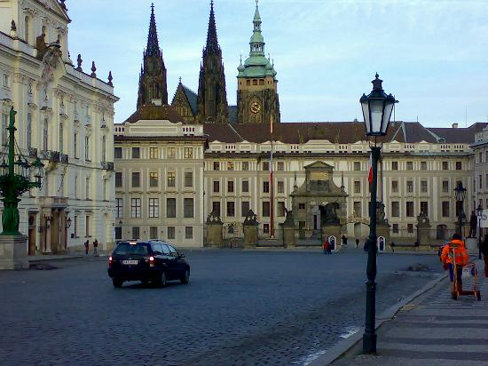 Olympik Hotel Prague: Prague Castle , main entrance