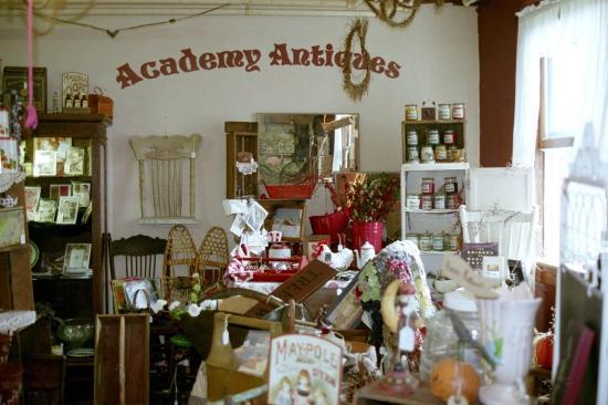 Arcadia Academy: Antique mall