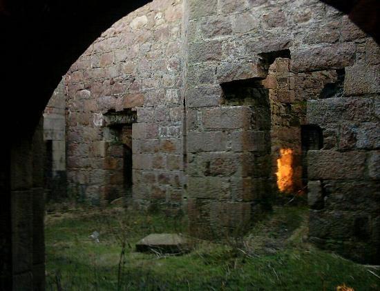 Slain's Castle: Inside Slains Castle, Cruden Bay