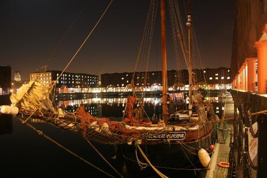 Liverpool, UK : Albert dock
