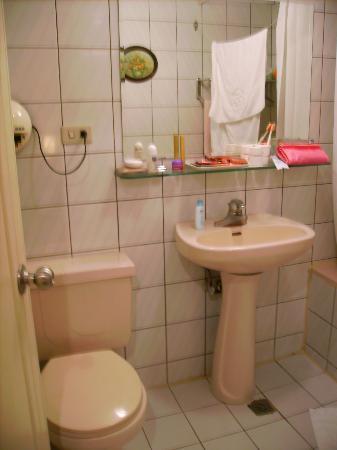 Shin Shih Hotel: bathroom