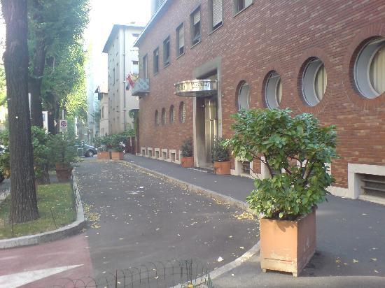 Front of the Mini Hotel Tiziano - Picture of Hotel Tiziano - Gruppo ...