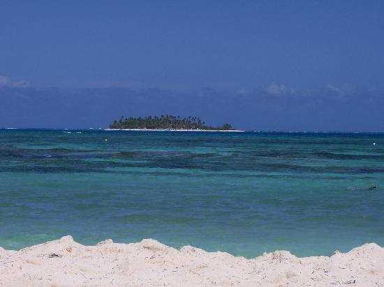 Hotel Casablanca: View Of Johnny Cay Island from Beach